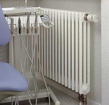 трубчатые радиаторы Zehnder Charleston Completto 3050 - радиатор отопления Зендер с нижним подключением